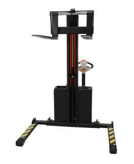 narrow mast stacker 5