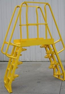 alternating tread cross over ladder